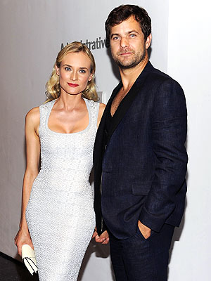 Joshua Jackson, Diane Kruger Dating (Not Engaged) & Living Together in Paris