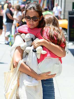 Tom Cruise, Katie Holmes Divorce: She Is Filming Molly About Single Mom