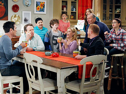 Modern Family Cast Settles Contract Dispute