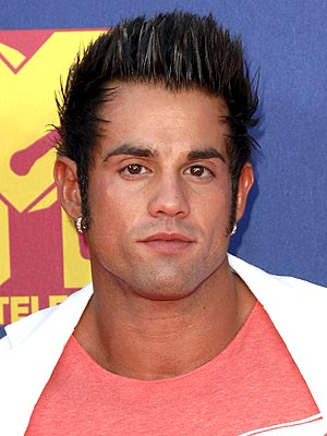 Joey Kovar Dies - Real World: Hollywood Star Found Dead Near Chicago