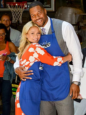 Michael Strahan Rumored Co-Host for Kelly Ripa