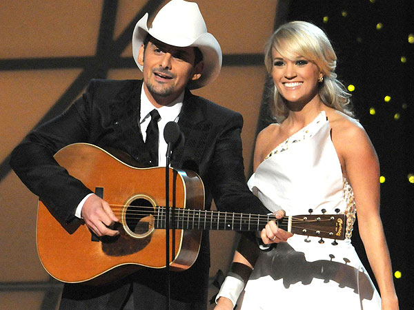 CMAs: Carrie Underwood and Brad Paisley Keep the Laughs Coming