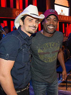 Brad Paisley Surprises Darius Rucker – with Grand Ole Opry Honor