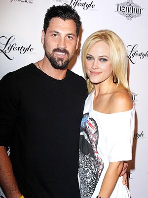 Peta Murgatroyd & Maksim Chmerkovskiy Will Sleep In After DWTS Elimination