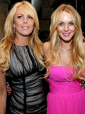 Lindsay Lohan - Police Called to Dina Lohan's Home Following Dispute