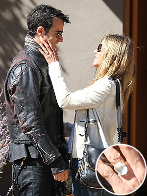 Jennifer Aniston Debuts Engagement Ring