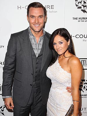 Mentalist's Owain Yeoman Is Engaged