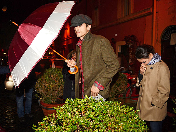 Ashton Kutcher & Mila Kunis Share Romantic (and Rainy) Night in Rome | Ashton Kutcher, Mila Kunis