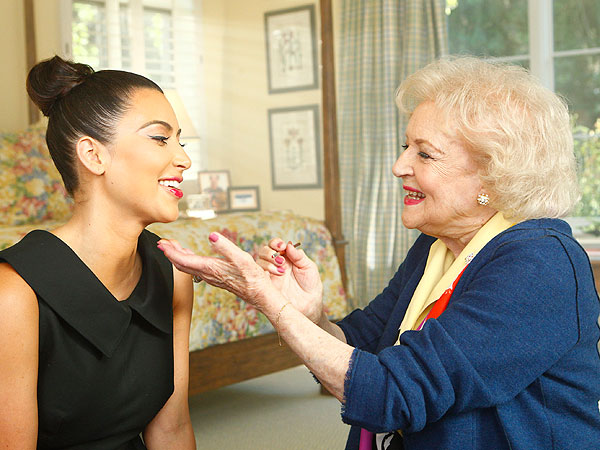 Betty White Gives Makeup Tips to Kim Kardashian