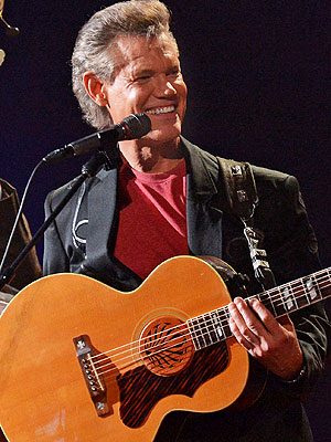 Randy Travis Improving in Hospital
