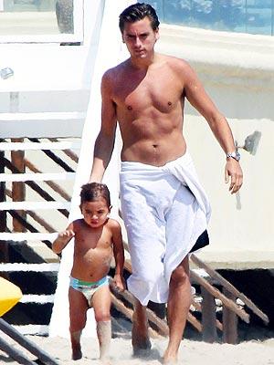 Scott Disick Photos: Mason Goes to the Beach