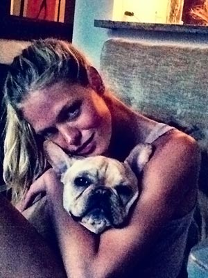 Erin Heatherton, Victoria's Secret Model, Hugs Dog Eddie