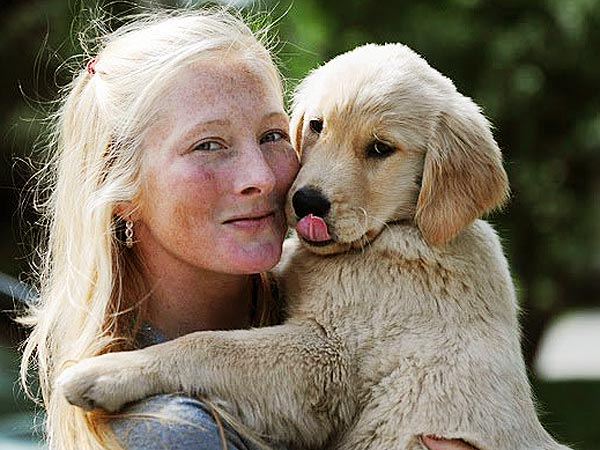 Maggie Rizer's Golden Retriever Dies on Airline Flight