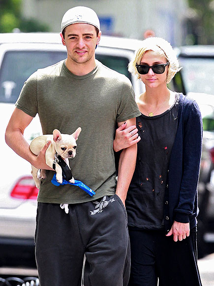 Stars and Their Pets: Ashlee Simpson's Arm-in-Arm