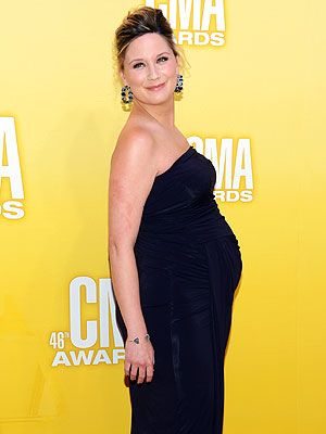 Country Music Association Awards: Sugarland's Jennifer Nettles Pregnancy