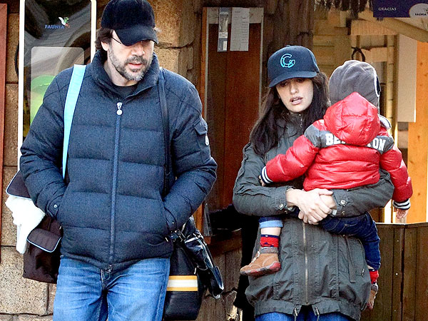Penélope Cruz & Javier Bardem's Son 'Over the Moon' to Meet Mickey Mouse