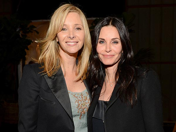 Courteney Cox, Lisa Kudrow Reunite in L.A.