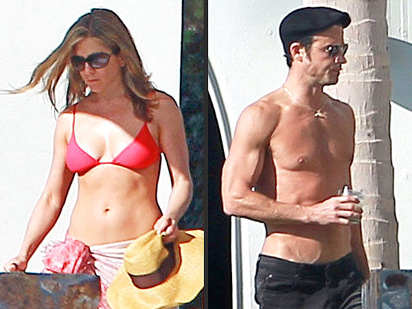 Jennifer Aniston & Justin Theroux Flaunt Beach Bodies