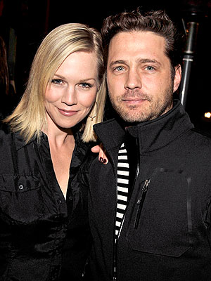 Jennie Garth's Weight Loss Due to 'Heartbreak,' Says 90210's Jason Priestley