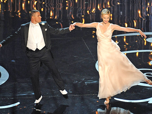 Charlie Theron, Channing Tatum Dance at Oscars