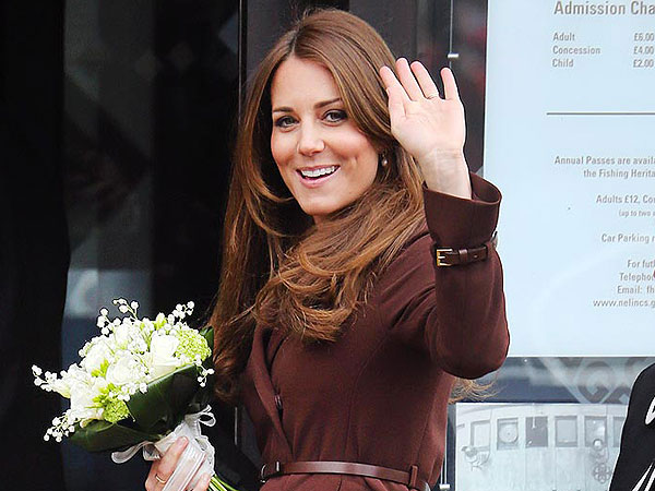 Kate Shops for Maternity Dresses