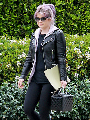 Kelly Osbourne Steps Out for First Time Since Seizure