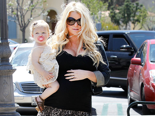 Jessica Simpson Steps Out with Baby Maxwell