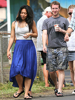 Mark Zuckerberg and Priscilla Chan Vacation in Hawaii