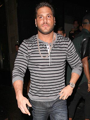 "Ronnie Ortiz-Magro of ""Jersey Shore"" in Hospital with Kidney Stones"