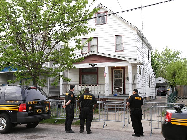 Ropes & Chains in Cleveland Home Where Missing Women Were Held Captive