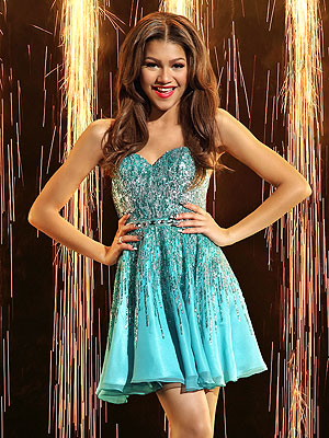 Zendaya Performs an Uncharacteristic 'Mess' on Dancing with the Stars