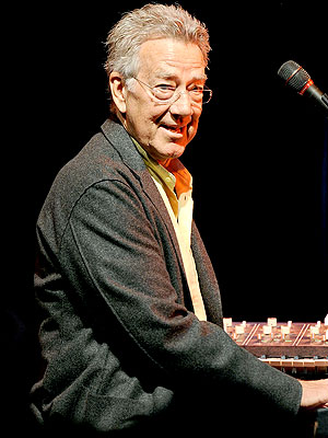 Ray Manzarek, Founding Member of The Doors, Dies at 74