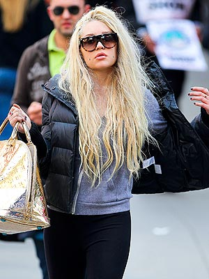 Amanda Bynes Case: Judge Delays Decision to Grant Parents Legal Control