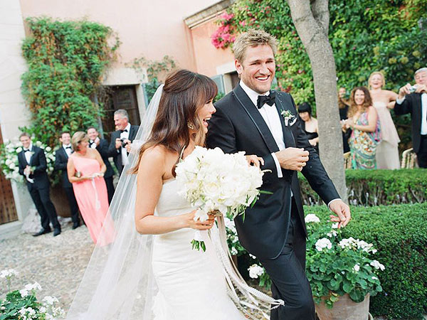 Lindsay Price and curtis stone wedding
