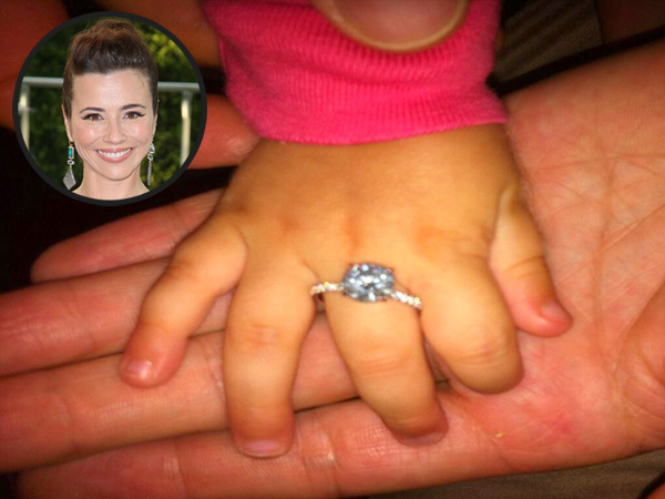 Linda Cardellini's Engagement Ring