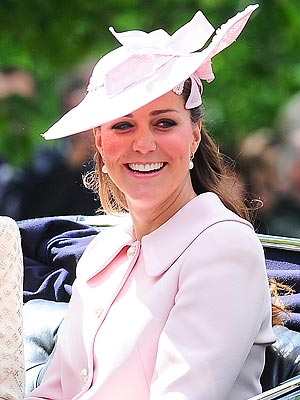 Duchess of Cambridge Cheered at Last Pre-Baby Royal Engagement