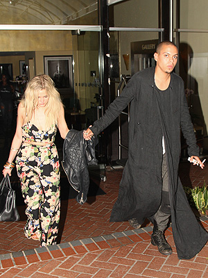 Ashlee Simpson Dating Evan Ross? Couple Spotted Out Holding Hands