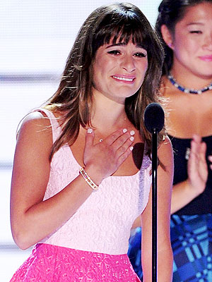 Lea Michele Dedicates Teen Choice Awards Glee Win to Cory Monteith