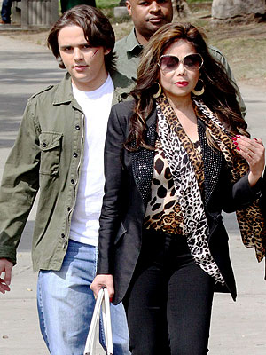 La Toya Jackson: Prince Is a Good Kid