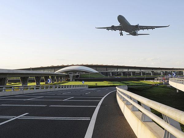 las vegas stowaway, delta airlines stowaway, 9 year old stowaway