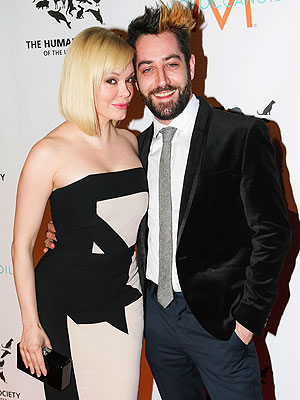 Rose McGowan Marries Davey Detail