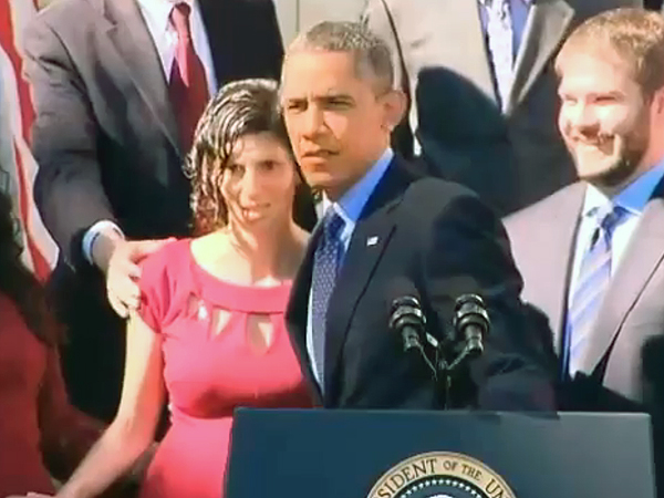 Barack Obama Helps Woman Who Nearly Faints During His Speech
