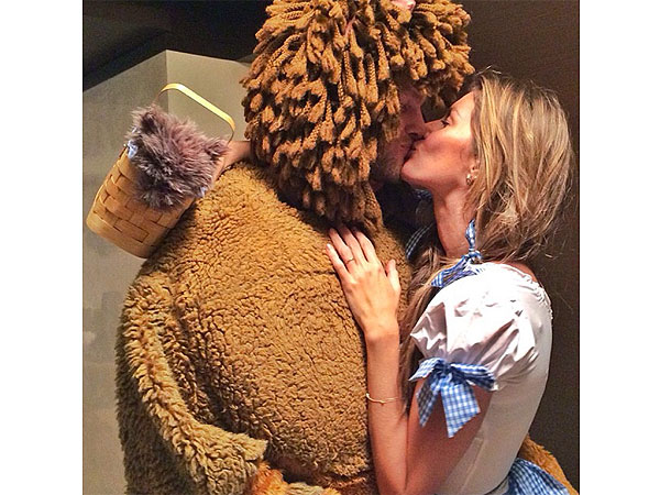 Tom Brady and Gisele Bündchen Follow the Yellow Brick Road