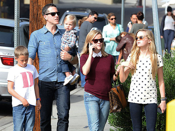 Reese Witherspoon Steps Out with Jim Toth & Kids