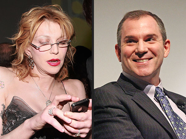 New York Times's Frank Bruni Uses Twitter to Return Courtney Love's Phone