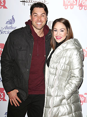 Ace Young and Diana DeGarmo Begin Their Own Holiday Traditions