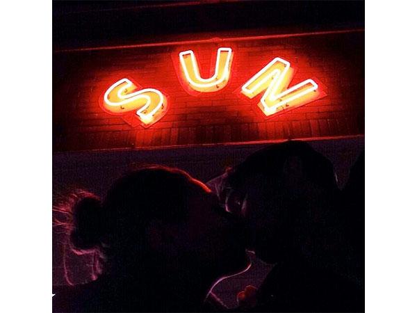 Ashton Kutcher Tweets a Romantic Photo