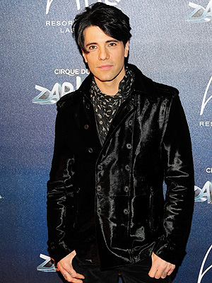Criss Angel Offers $5,000 for His Stolen Puppy