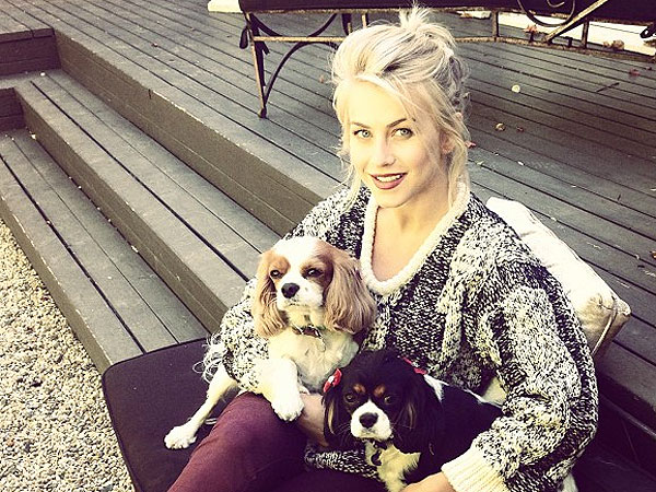 Julianne Hough Instagram Photo with Dogs