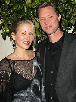 Christina Applegate Marries Martyn LeNoble